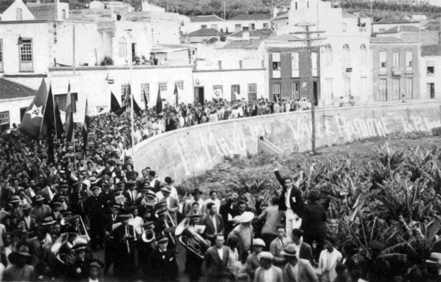 Manifestación celebrada el primero de mayo de 1936 en Tazacorte. (Archivo Municipal de Tazacorte)