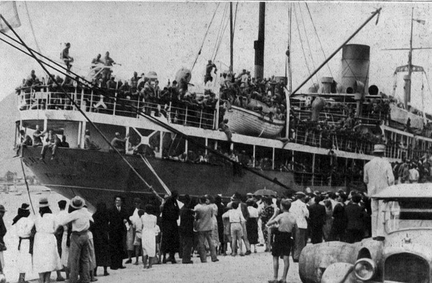 Embarque de soldados para el frente de guerra peninsular en Santa Cruz. (L'Illustration, París, 1937)
