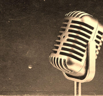 imagen de un micrófono antiguo