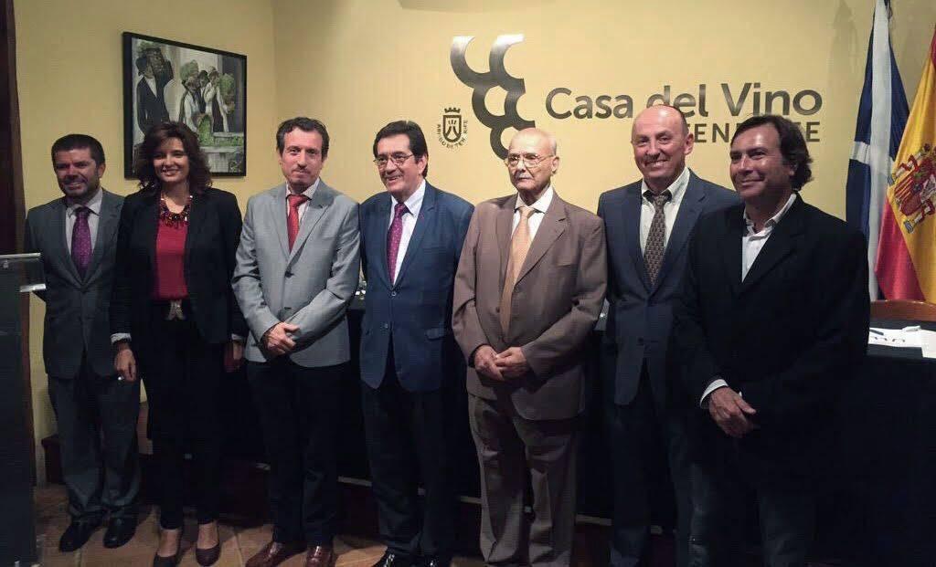 Foto de familia de los Premios Enogastroturismo.