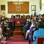 Pleno del Ayuntamiento de La Laguna en el cual se presentó la nueva edición de esta reunión de cooperativas escolares
