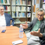 José Pascual (I) y Shankar Aswani (D) durante la entrevista realizada en el Instituto Universitario de Ciencias Políticas y Sociales