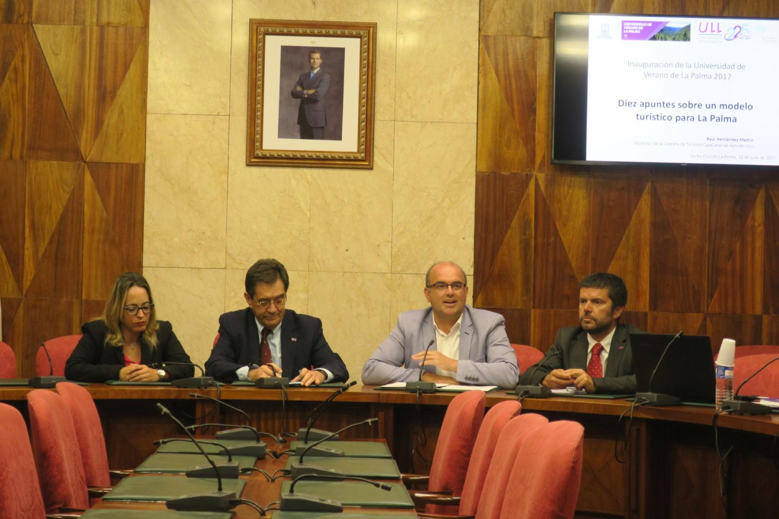 Presentación de los cursos de la Universidad de Verano de La Palma