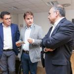 De izquierda a derecha: Manuel Miranda, José Manuel Rodríguez y Francisco Almeida durante la visita a las oficinas de Wootpix.