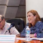 La gerente de la ULL, Lidia Patricia Pereira Saavedra, junto al que fuera profesor titular de la Universidad de Málaga y gerente de la Universidad de Jaén, Juan Hernández Armenteros, además de director del informe de la CRUE 'La Universidad en Cifras'