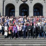 Foto de grupo de las personas participantes en las jornadas de la sectorial CRUE Sostenibilidad celebradas en la ULL.