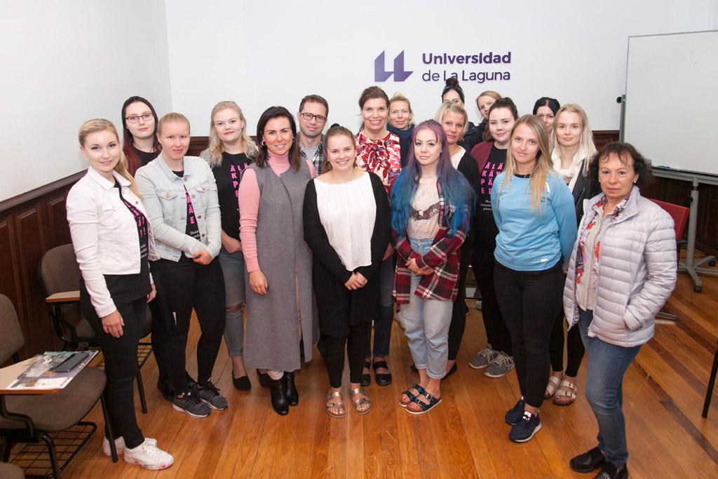 La delegación de la Universidad de Tampere posa con los responsables de Internacionalización de la ULL.