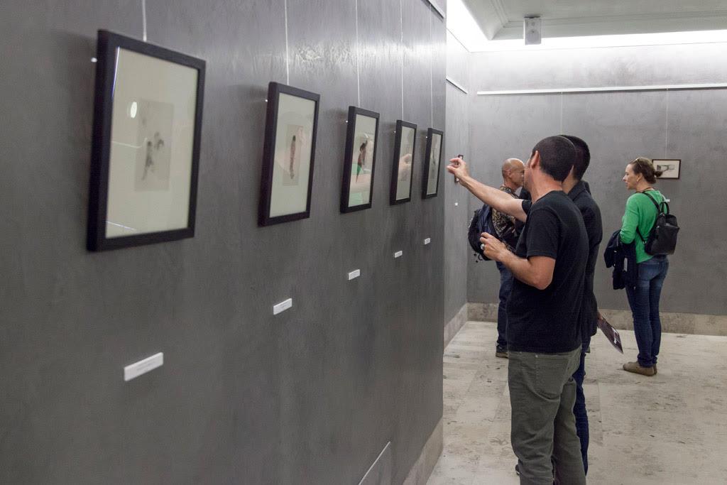 Fotografía de la exposición de Pedro Gómez llamada Geodesia 2014-2018'