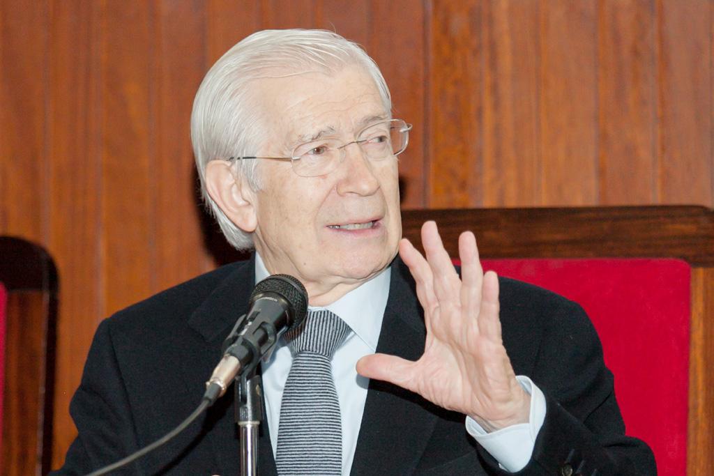 """Alzaga Villaamil: """"Hay que terminar con la alergia a la reforma constitucional"""""""