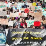 Foto de los estudiantes en la manifestación en contra del cambio climático