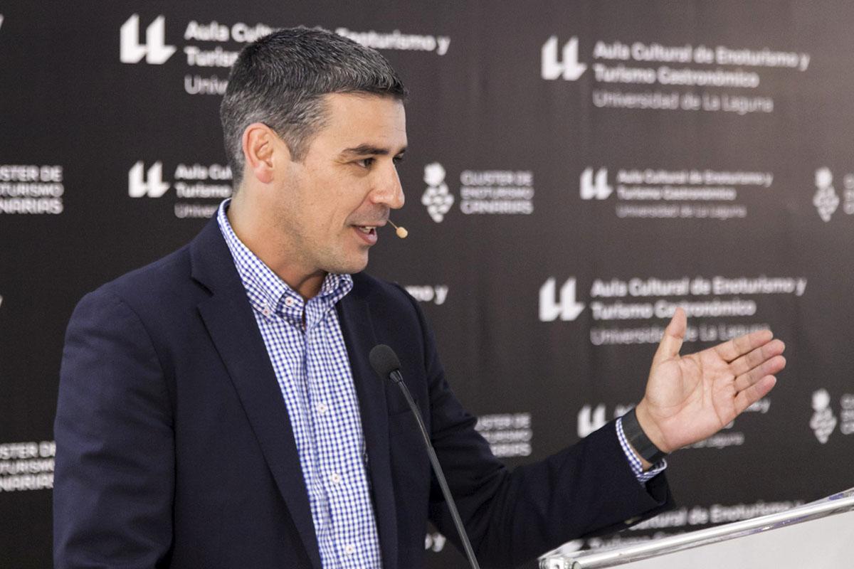 Quintero defendió en la ULL que la sociedad canaria se convierta en valedora del producto local