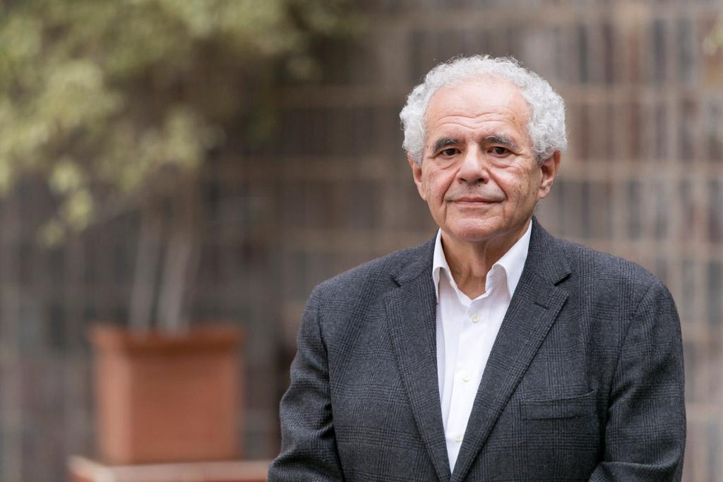 Manuel Gómez Fleitas, antes de su intervención en la Sección de Medicina.