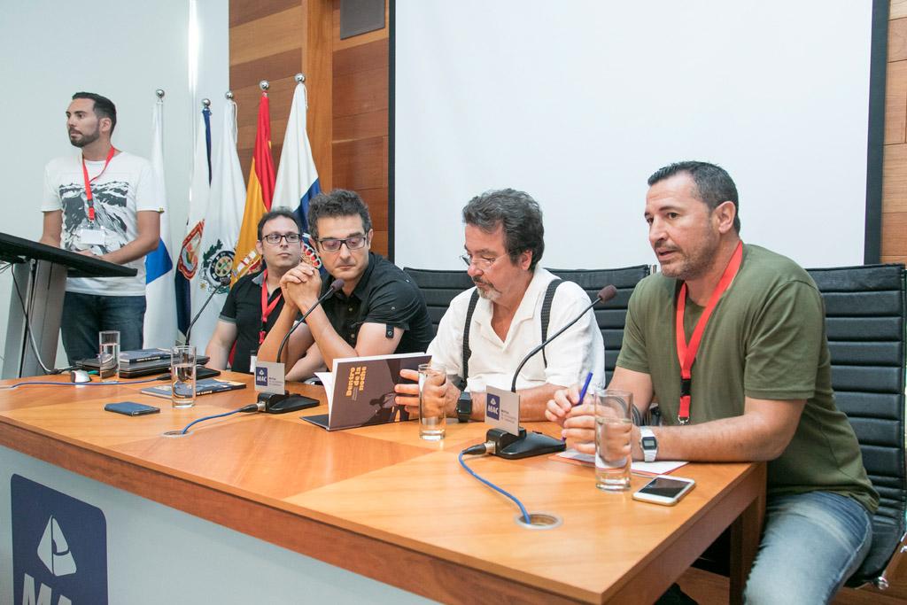 De izquierda a derecha, el moderador Lucas Morales y los ponentes Manuel Díaz, David Fuentefría, Fernando Iturrate y Emilio Ramal.