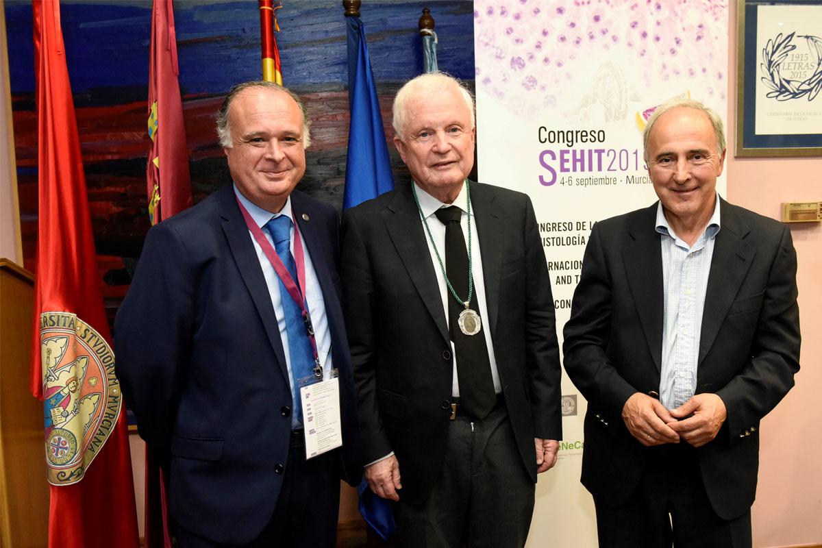 La Sociedad Española de Histología e Ingeniería Tisular entrega su máximo galardón al catedrático de la ULL Lucio Díaz-Flores