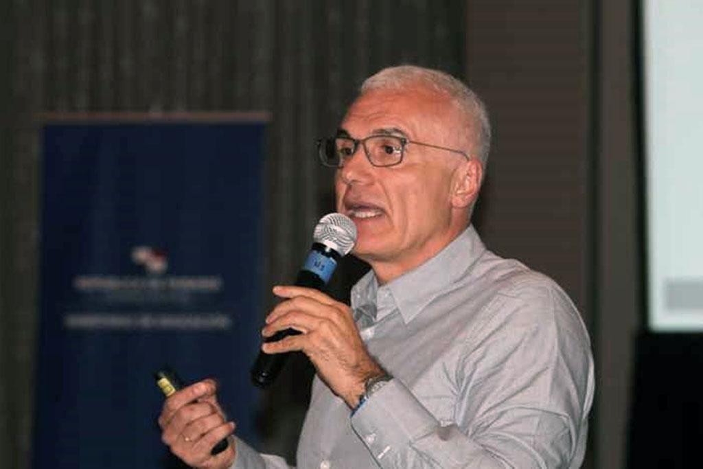 El catedrático de la ULL Juan E. Jiménez, ponente en el Congreso Internacional Lectura y Escritura de Panamá