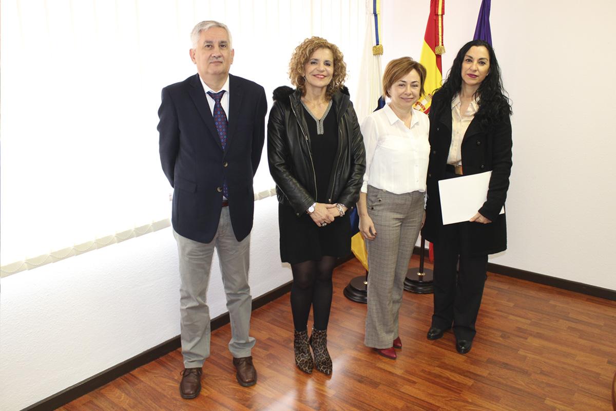 El vicedecano, Alexis Oliva; la secretaria general, Elvira Afonso; la rectora, Rosa Aguilar; y la decana, Susana Abdalá, tras la toma de posesión.