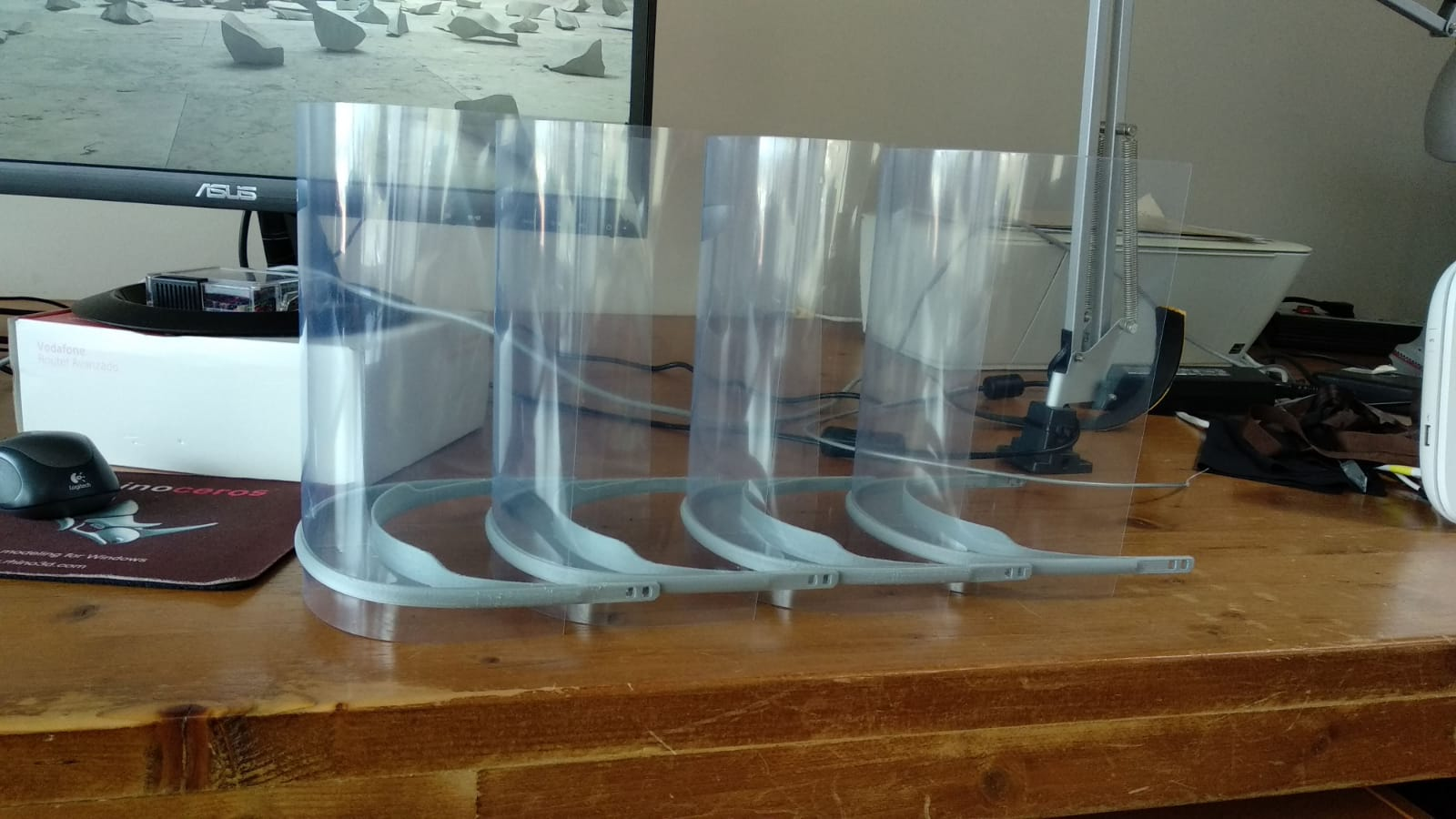 Algunas de las viseras de seguridad impresas con equipos de la ULL para la iniciativa Coronavirus Makers.