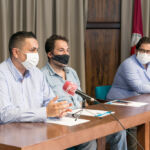 De izquierda a derecha: Jacob Lorenzo, Ernesto Pereda y Julio Perdomo durante la rueda de prensa.