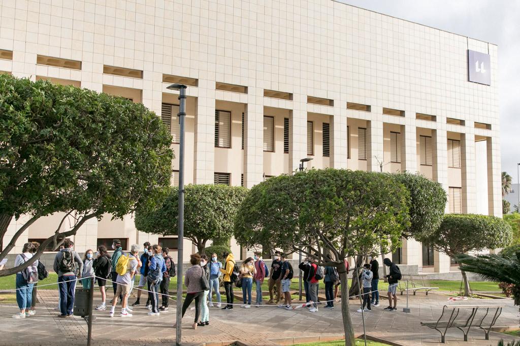 Imagen de archivo de la EBAU ordinaria, celebrada este mes de julio en el Campus de Guajara, entre otras sedes.