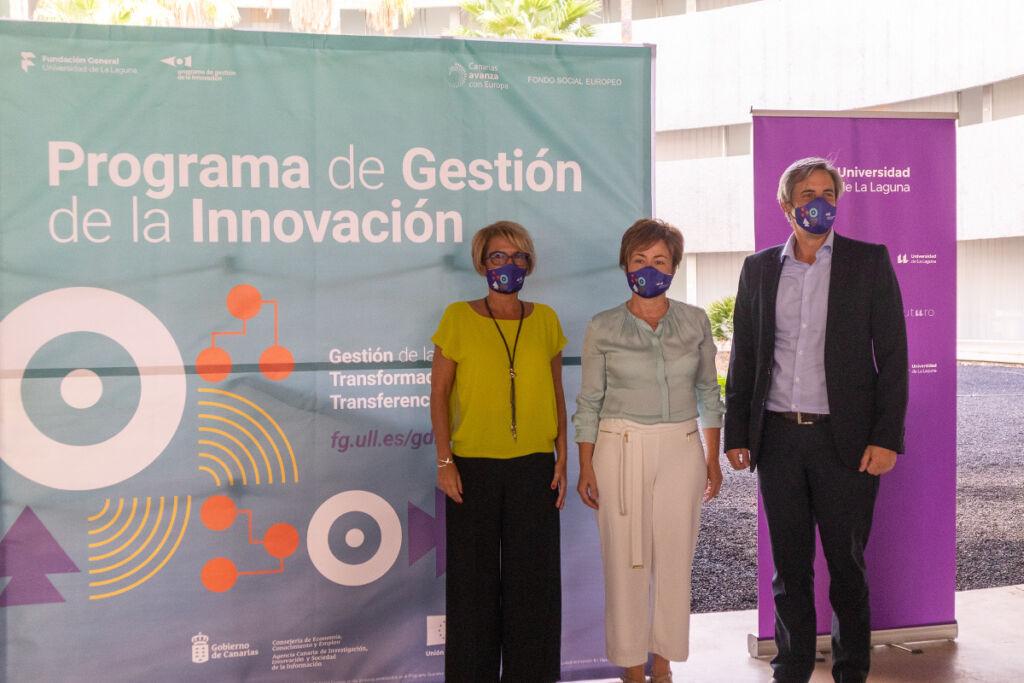 De izquierda a derecha: Elena Máñez, Rosa Aguilar y Carlos Navarro durante la presentación.