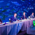 En la mesa, de izquierda a derecha, el vicerrector de Investigación de la ULL, el rector de la ULPGC, el vicepresidente de Loro Parque y el director de Loro Parque Fundación.