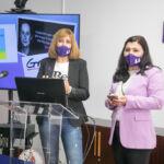 Ángela Torbay (i) y Matilde Díaz (d) durante su presentación.