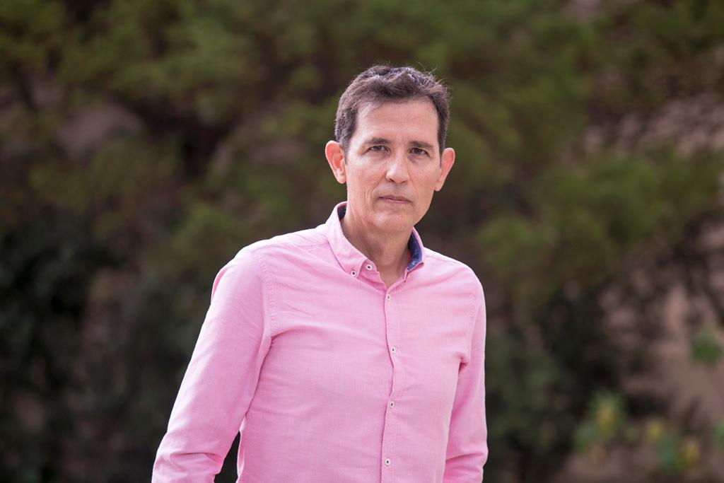 José María Fernández-Palacios, fotografiado durante la entrevista celebrada en la Sección de Biología de la Facultad de Ciencias.