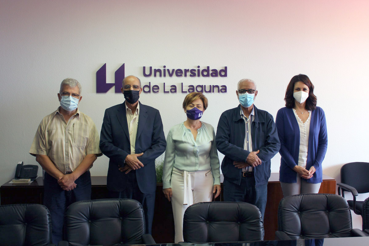 De izquierda a derecha: Anselmo Fariña, Jatari Hamudi, Rosa Aguilar, Hamdi Mansur y Lidia Cabrera.